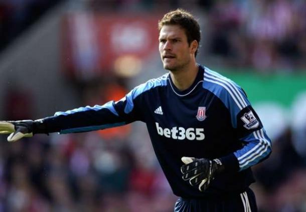 Di Stoke City Asmir Begovic Tegaskan Untuk Bertahan