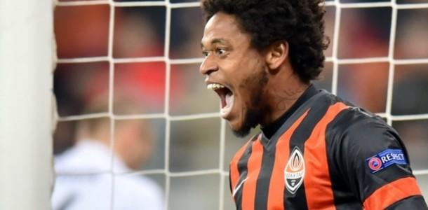 Luiz Adriano Berikan Penolakan Pada AS Roma