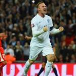 Steven Gerarrd Berikan Selamat Pada Wayne Rooney